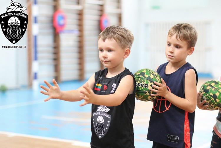 Kviečiame į krepšinio ir sporto treniruotes 2-7 metų amžiaus vaikus Vilniuje kartu su tėvais